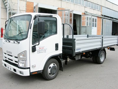 Бортовой автомобиль Isuzu ELF 3.5 NMR85E 1,5 тонны