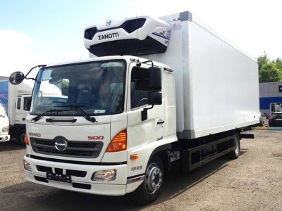 Рефрижератор Hino 500 STG 12 тонн c ХОУ Zanotti